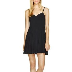 ARITZIA BLACK DRESS, FLOWY SOFT LITTLE BLACK DRESS